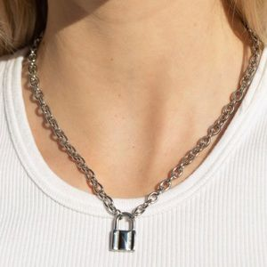 Brandy 💖 Melville NWT lock chain necklace
